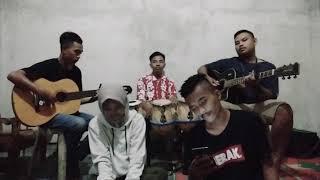 Download SEBERKAS SINAR - Nike Ardilla cover by Salimah feat wani wirang