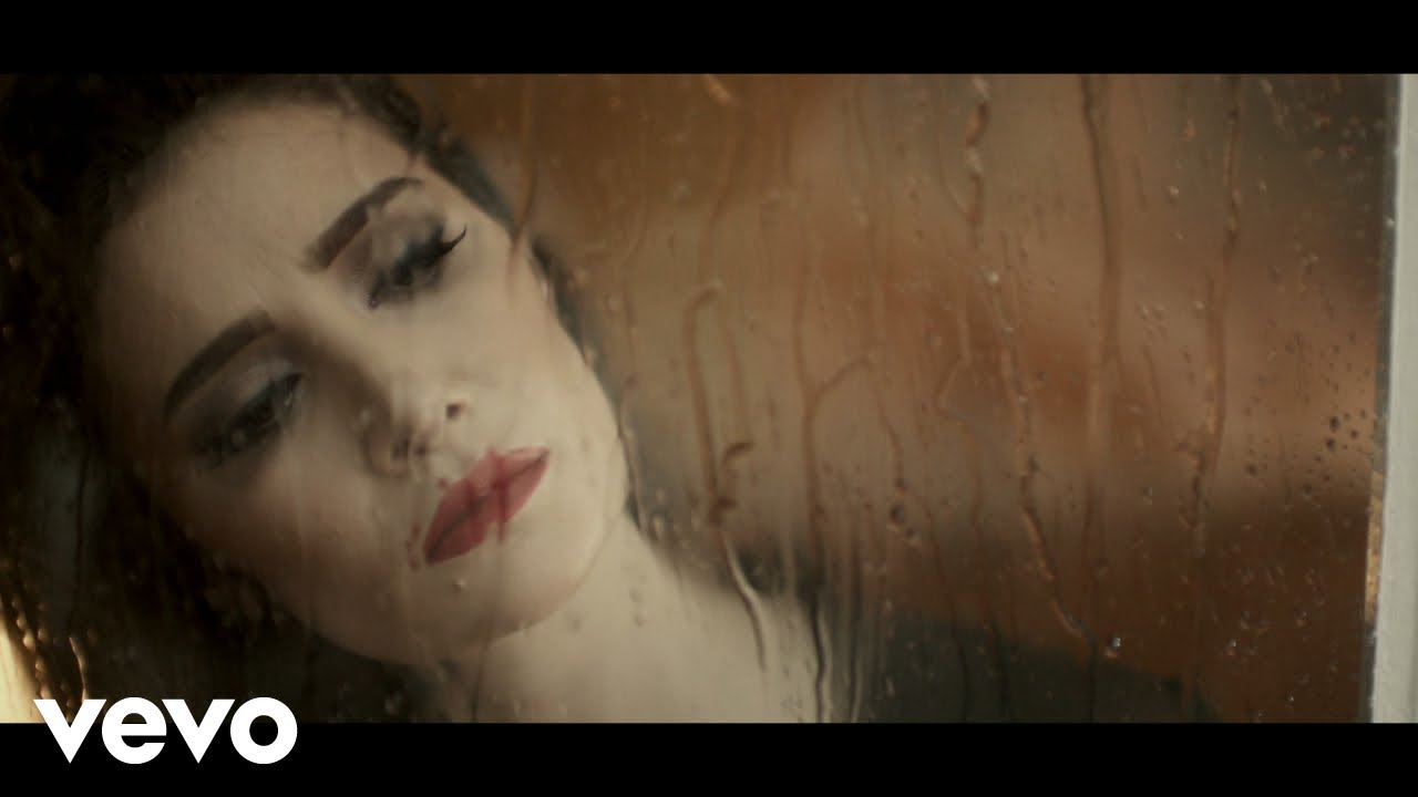 Sila - Zor Sevdigimden (Official Music Video)