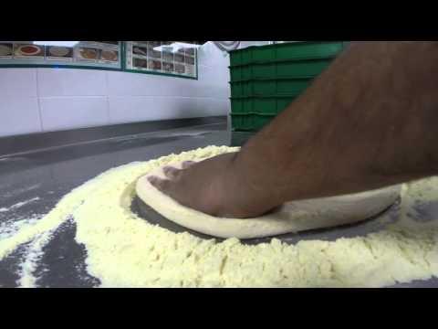 Papa Johns Gerrards Cross - How We Make The Pizza Base/ Pizza Slapping