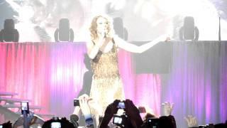 Taylor Swift - Hablando español + Presentacion The Story of Us (Madrid 19 Marzo 2011)