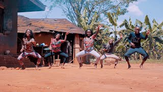 Masaka Kids Africana dancing to MOOD