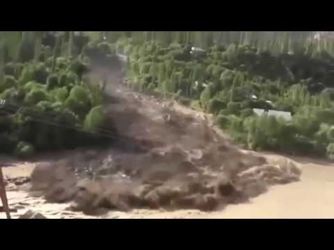 The most insane flash floods and mudslieds 2017 part 2