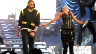 Rihanna & Chris Brown - Umbrella/Cinderella (Sydney Concert)