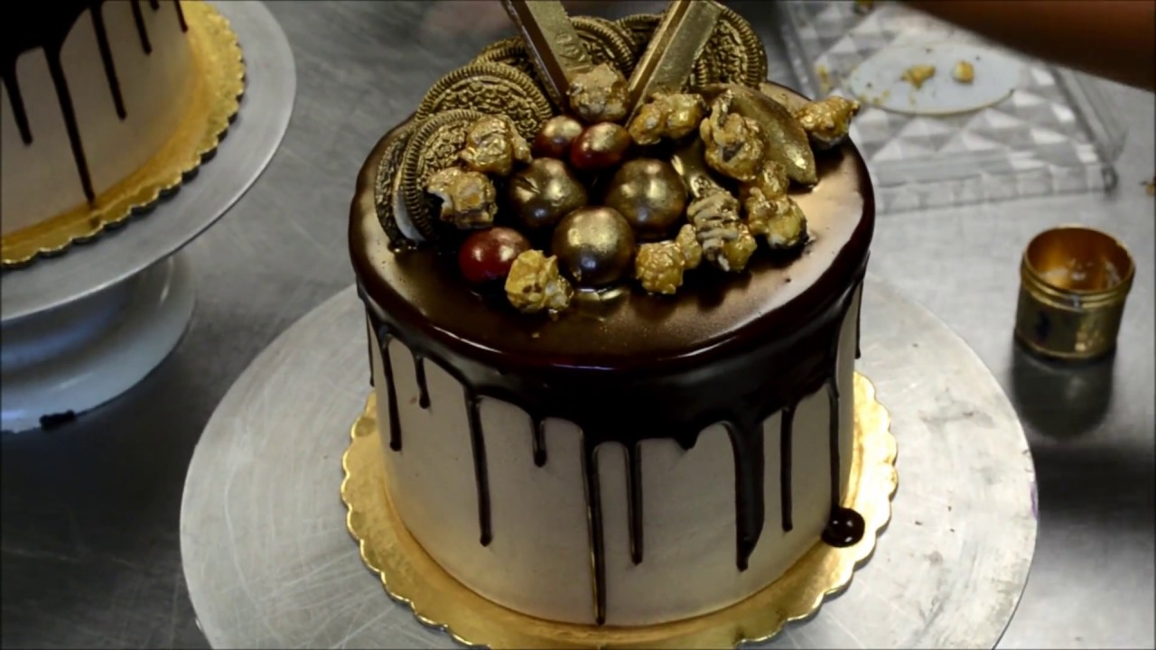How To Make A Perfect Chocolate Cake With Ganache Topping