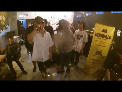 BetaLoca x almamosca - Stoptalking (live cafe palabuan subang)