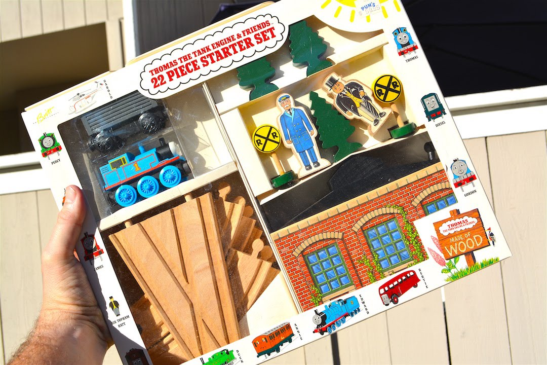 first thomas wooden railway set 22 piece starter set 1992 toy review youtube. Black Bedroom Furniture Sets. Home Design Ideas