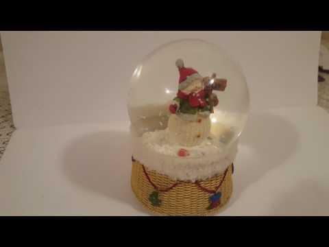 Musical CHRISTMAS Water globe Snow Globe Snowman