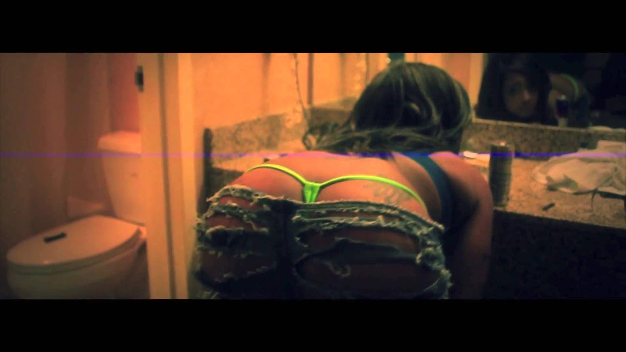 Close Up Girl Wallpaper Lyric Kiss Ent Turn It Up Twerk Dat Best Twerk Video