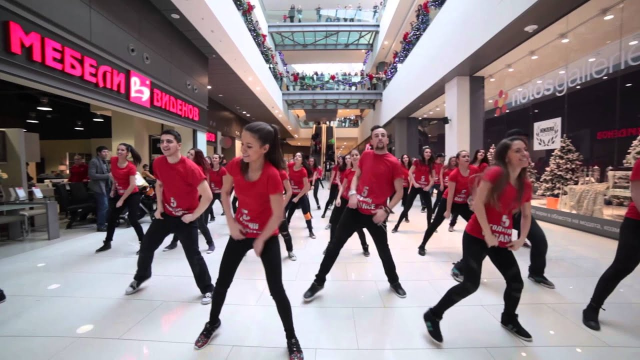 Christmas Flashmob by VS DANCE | Sofia Ring Mall - YouTube