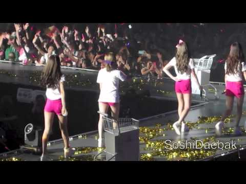 131012 OT9 - Twinkle @ SNSD WORLD TOUR IN SG