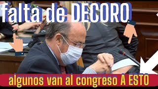 ¡¡ IN FRAGANTI!!- -3- diputadas PASAN DE TODO, mientras HABLA DIPUTADO DE VOX
