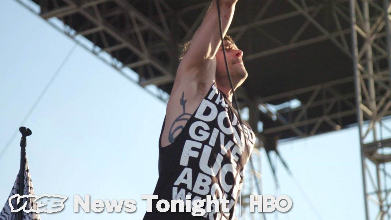 The Last Warped Tour & Assault Weapon Ban: VICE News Tonight Full Episode