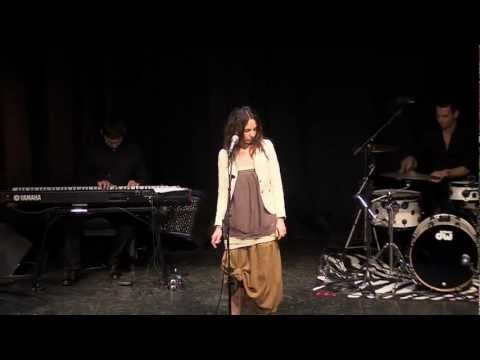 DAFNE - By this river - (Brian Eno) - Live