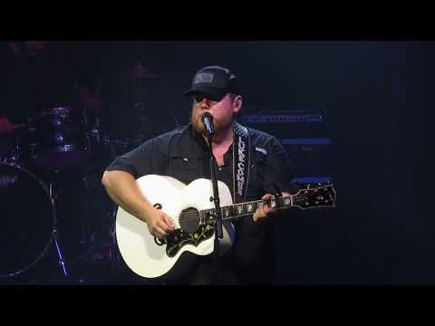 Luke Combs @ 02 Ritz Manchester - 08/10/18 - I Know She Ain't Ready