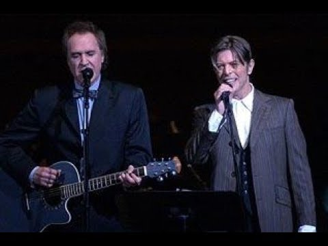 BOWIE With RAY DAVIES ~ WATERLOO SUNSET ~ LIVE 2003