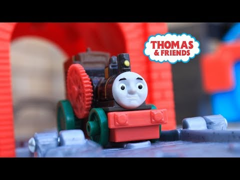 THOMAS AND FRIENDS Journey Beyond Sodor Theo! Thomas & Friends Kid Playing Toy Trains