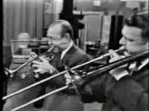 """Muggsy Spanier """"At The Jazzband Ball"""""""