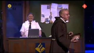 André Van Duin   Pater Doet Aangifte