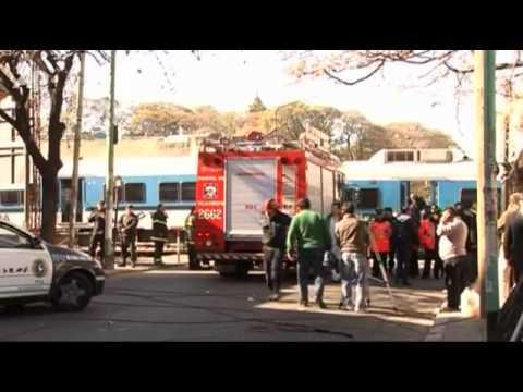 Tai nạn kinh hoàn : Tàu hỏa đụng xe buýt, 11 người chết - muasamcongdong.vn