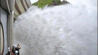 迫力の放水を間近で 札幌市の豊平峡ダム