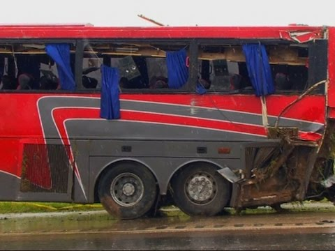 Raw: Charter Bus Crash Kills 8 in South Texas