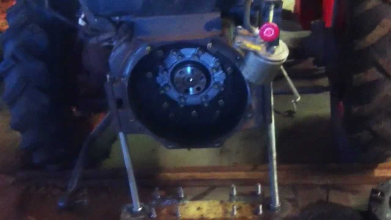 Throw Out Bearing >> Kubota L3000DT clutch tractor split - YouTube