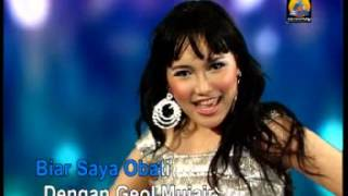 Video Geol Ajeb-ajeb - Ayu Ting Ting download MP3, 3GP, MP4, WEBM, AVI, FLV Oktober 2017