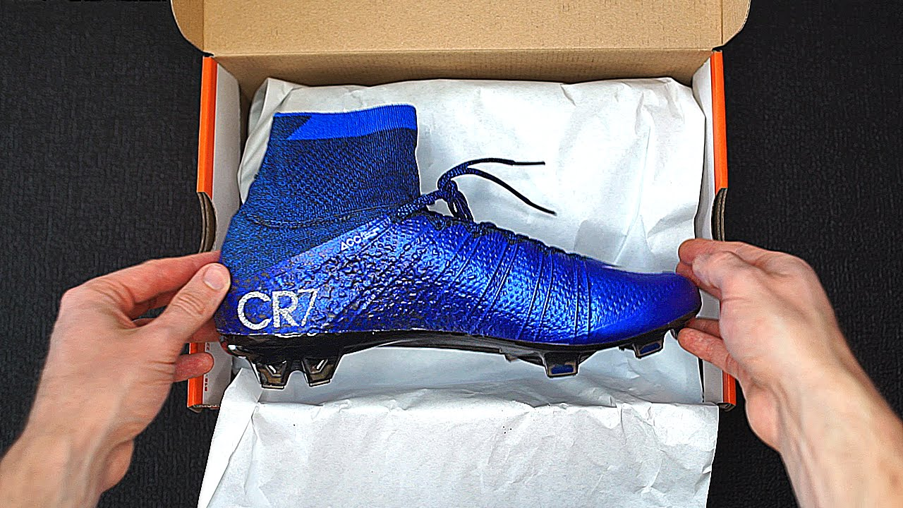 b602025e54f6 Exclusive: Cristiano Ronaldo Nike Superfly 4 CR7 Unboxing - YouTube