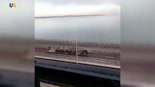 Росія активно перекидає в окупований Крим бронетехніку через Керченський міст