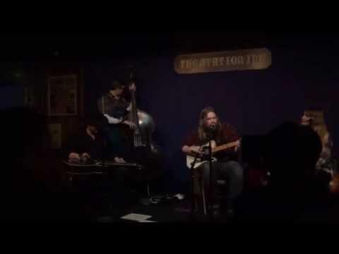 Chris Stapleton - It Takes A Woman Chords - Chordify