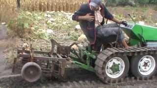 Испытание самодельной грохотной картофелекопалки(На этом видео представлено испытание самодельной грохотной картофелекопалки, сделанной в прошлом году..., 2014-08-30T21:28:22.000Z)