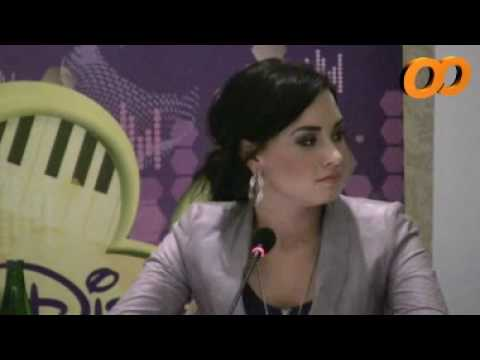 Demi Lovato in Chile - Press Conference 05.22
