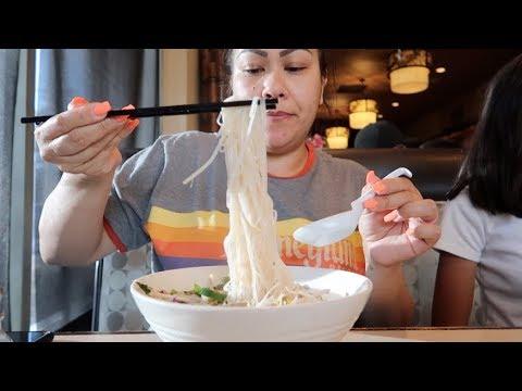 PHO (VIETNAMESE SOUP) MUKBANG - EAT WITH ME