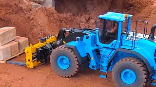 AWESOME RC TRUCKS and RC Wheel Loader at the Constructionworld in Germany