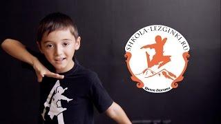 Уроки лезгинки от детей школы Тагира № 1