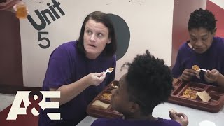 60 Days In: Inmate Fights a CO After She Gets Pepper Sprayed, Season 6, Episode 12 Recap | A&E