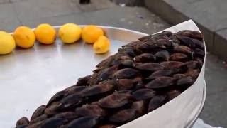 Midye böyle yenir(Turkey Street Food With Voice)