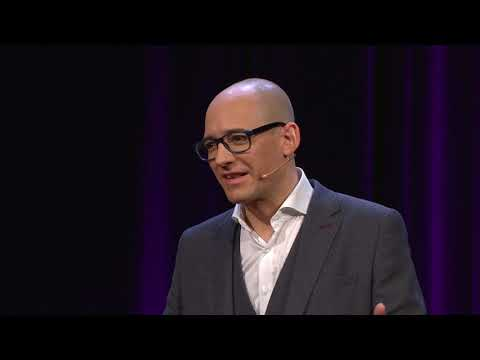 How to Win Election Campaigns in a Changing World | Louis Perron | TEDxZurich