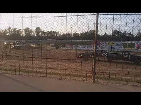 Hartford speedway trailer race 2018
