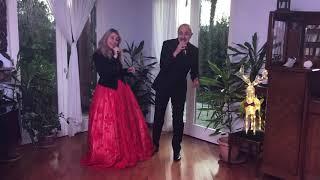 Santa Klaus is coming ... duetto