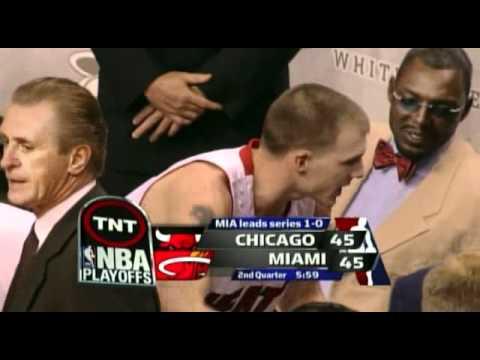 JASON WILLIAMS VS CHICAGO BULLS, 2006 NBA PLAYOFF GAME 2