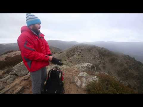 Hiking in Alpine National Park to the Cross-Cut Saw