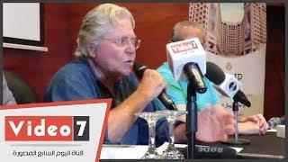 حسين فهمى يوجه رسالة تحذيرية للفنانين: سقوط
