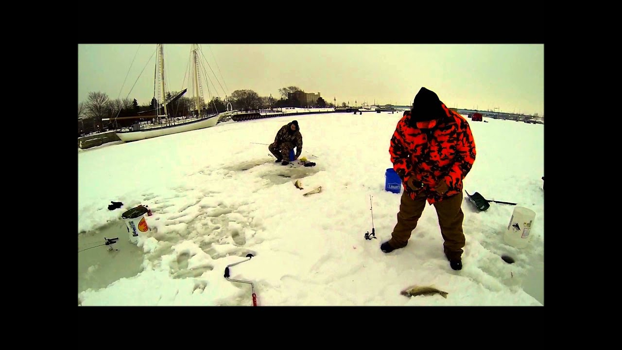 Ice fishing trip saginaw river youtube for Saginaw river fishing report