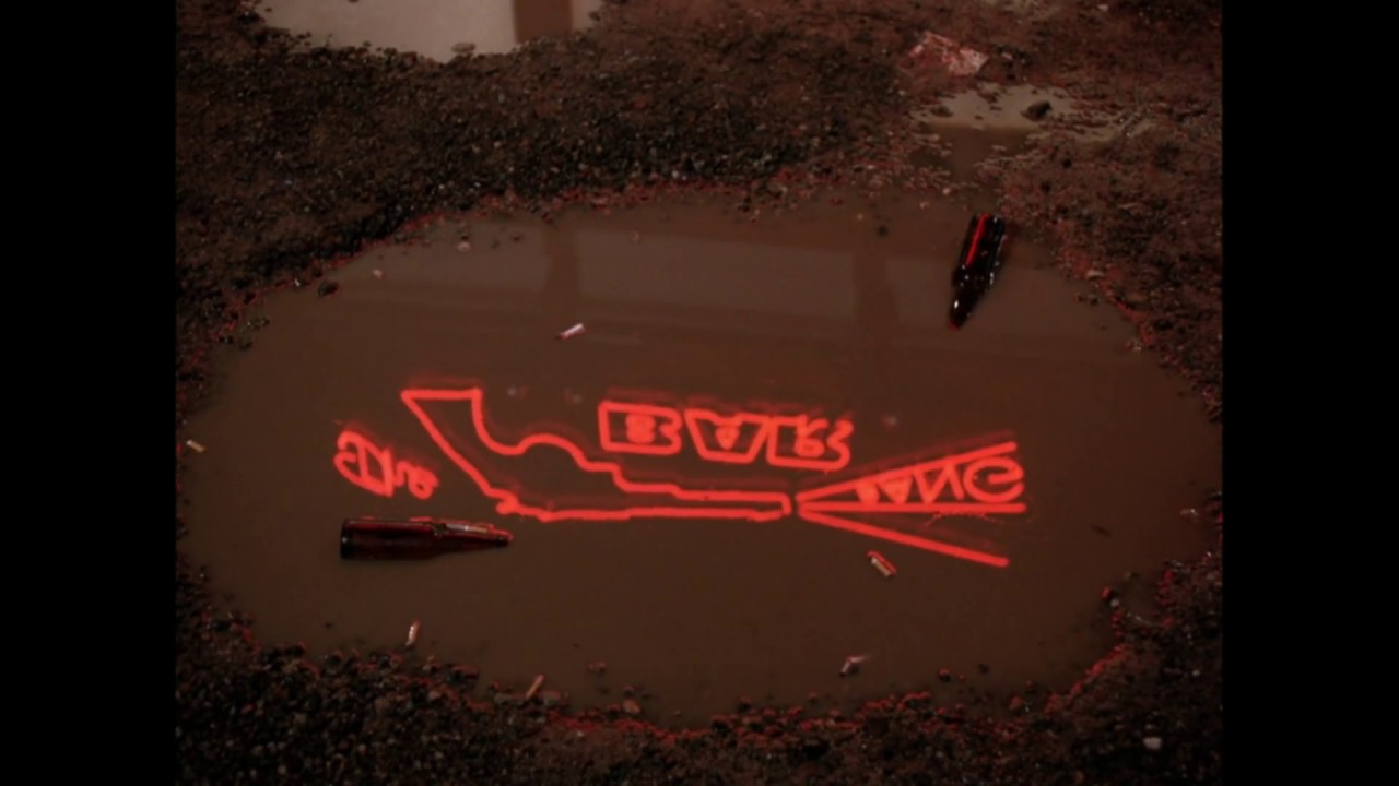 Download Twin Peaks - Episode 14 - roadhouse puddle