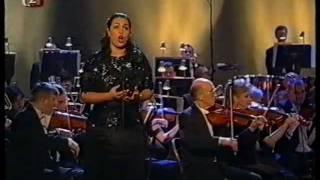 Anda-Louise Bogza Il Trovatore Leonora  conductor Hilary Griffiths