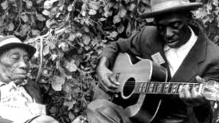 Mississippi John Hurt-Hot Time In The Old Town Tonight