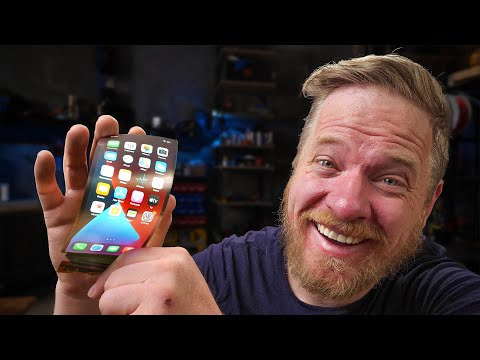 A folding iPhone?