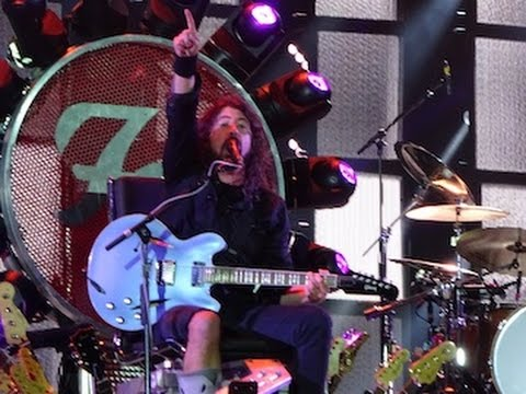 Foo Fighters, Under Pressure, John Paul Jones, Roger Taylor, Milton Keynes 2015