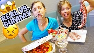 Snow White vs Anna Eats Fried Chicken KFC w/ Real Food VS Gummy Food! Gross Giant Candy Challenge